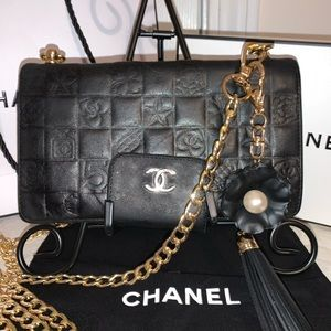 CHANEL Vintage Authentic Camelia Wallet on Chain